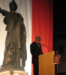 Jean-Pierre Chevènement devant Marianne